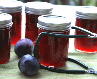 Plum Jam With Cardamom and Cinnamon