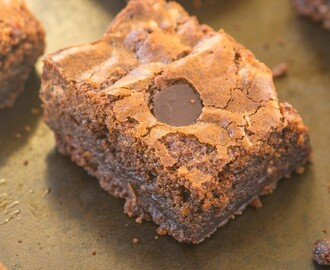 Healthy Four Ingredient Breakfast Brownies