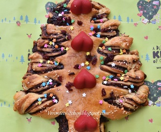 Christmas Tree Nutella Bread