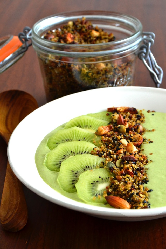 Simple comme un smoothie bowl aux kiwis et flocons d'avoine