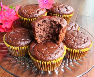 Chocolate Nut Butter Banana Muffins (Dairy, Gluten and Refined Sugar Free)