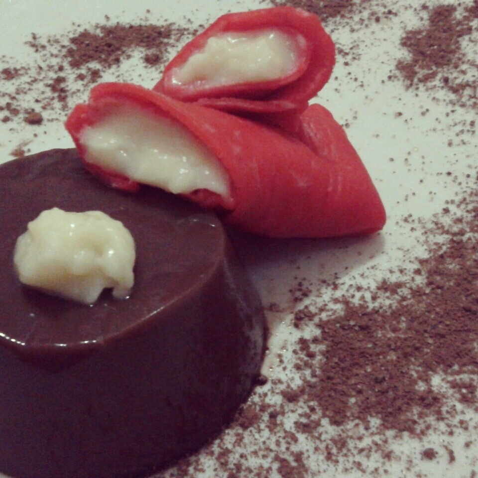 """Dadar Gulung Merah Putih"" served with Chocolate Pudding"