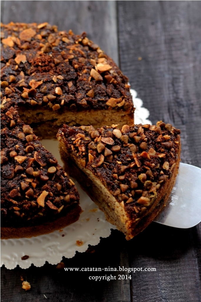 BANANA CHOCOCHIPS CRUMBLE CAKE