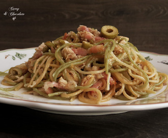 Espaguetis con atún y bacon - Spaghetti with tuna and bacon