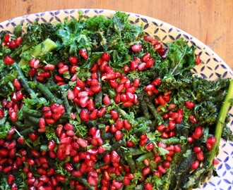 Simple Pomegranate and Supergreens Salad Recipe