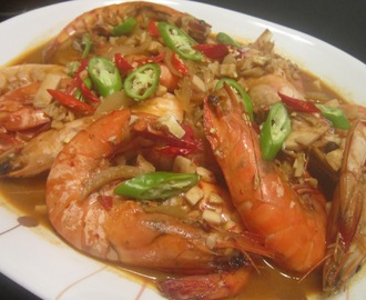 SHRIMP with CHILI GARLIC and SALTED EGGS SAUCE