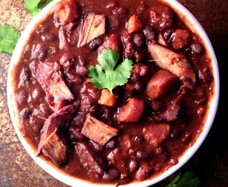 Spicy Black Bean and Sweet Potato and Chicken Chili for a Slow Cooker (Vegan or Not!)
