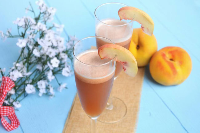 Cocktail Bellini avec Thermomix