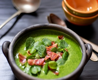 Watercress and mint soup with bacon shards / Sopa de agrião e menta, com bacon estaladiço.