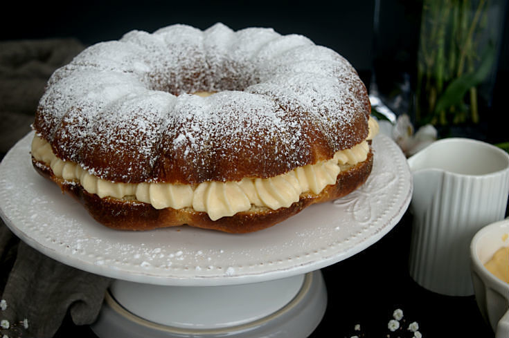 Tropeziénne Bundt Cake {summer cake in the Côte D'Azur} #BundtBakers