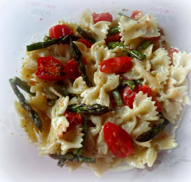 Pasta Salad with Roasted Tomatoes and Spring Asparagus