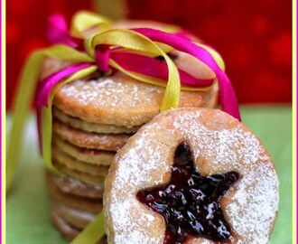 Linzer Cookies – Eggless