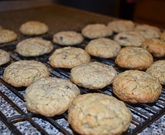 A Classic Cookie: Oatmeal Chocolate Chip