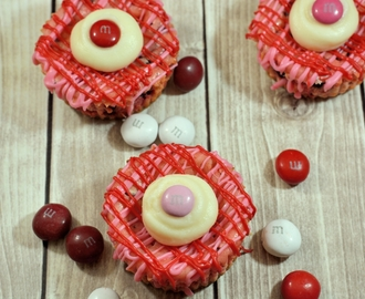 M&M's® Red Velvet Mini Cheesecakes