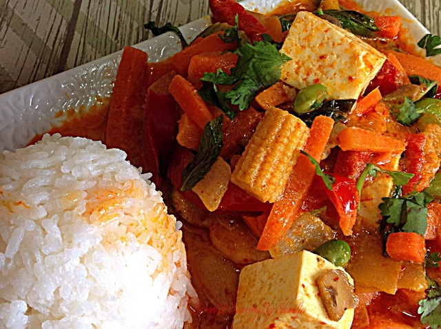 Tofu & mixed Vegetable Thai Red Curry…