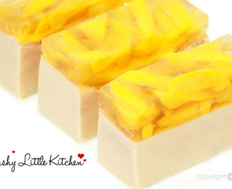 Milky Vanilla Puding and Mango Jelly
