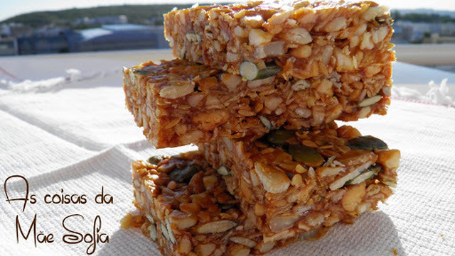 Barrinhas de cereais com manteiga de amendoim / Peanut butter cereal bars