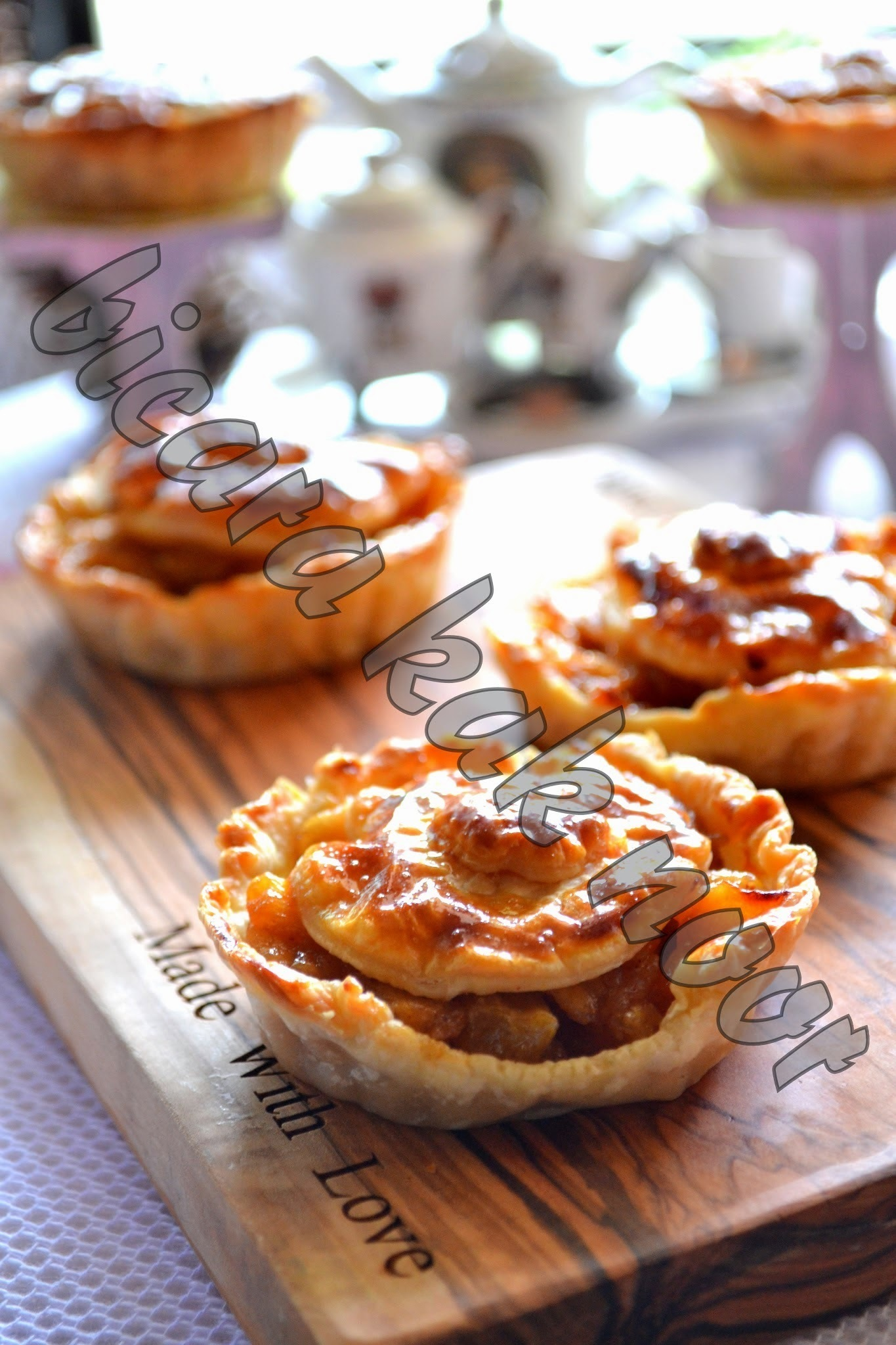 Apple Pie Simple Guna Pastry Puff