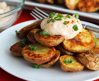 Crispy Potatoes with Roasted Garlic Dip