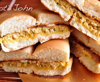 Roti John – Malaysian Breakfast Sandwich with Meat and Egg Filling