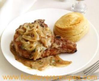 SMOTHERED PORK CHOPS WITH BUTTERMILK