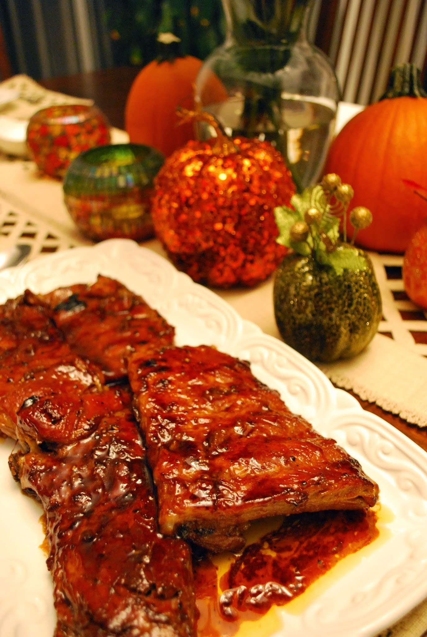 Falling off the Bones Baked Ribs in Spicy Barbecue Sauce