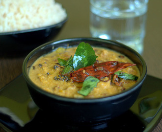 Mathanga Payar Erisseri/ Pumpkin and Beans in Coconut Based Gravy
