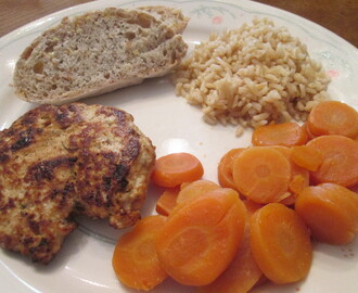 Turkey-Apple Sausage Patties w/ Brown Rice and Carrot Slices
