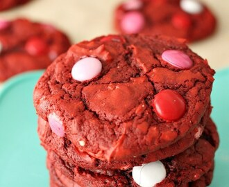 Cookie Monday Guest Post: Red Velvet M&M Cake Mix Cookies by Melissa of Persnickety Plates