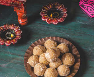 Besan Mawa Ladoo / Kadalai Maavu Khoa Laddu - Easy Diwali Sweet Recipes