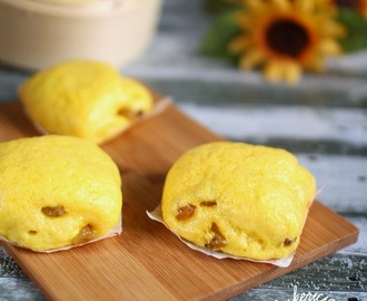 Pumpkin Raisins Mantou 南瓜葡萄干馒头