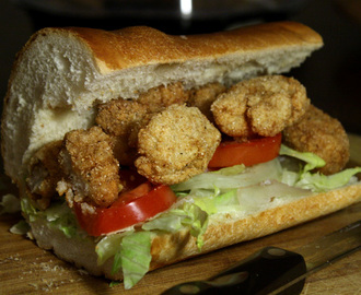 Fried Alligator Po' Boy - Sandwich VIDEO