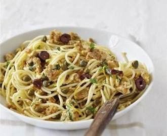 Spaghetti with eggs, anchovies, capers and olives