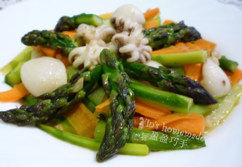 Asparagus Thai Style with Squids 泰式芦笋炒花枝