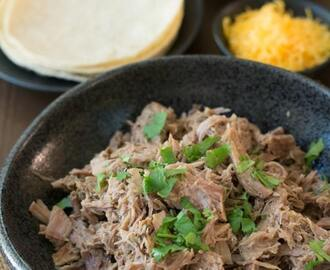 Easy 5 Ingredient Slow Cooker Pulled Pork