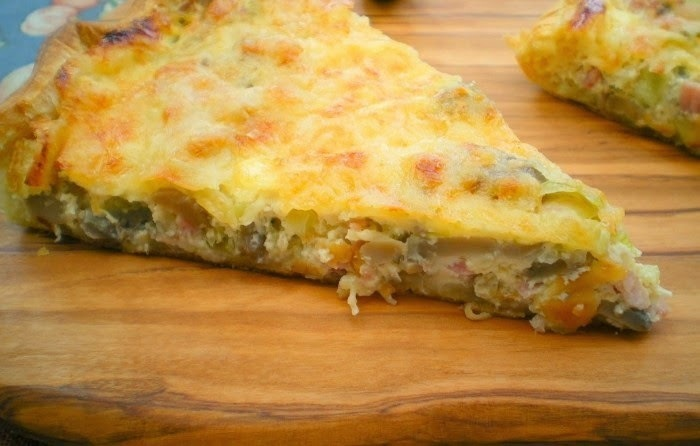 Quiche de atum, bacon e legumes