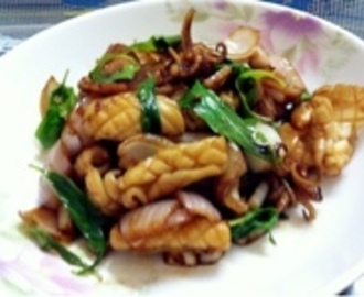FRIED SQUIDS WITH THAI BASIL