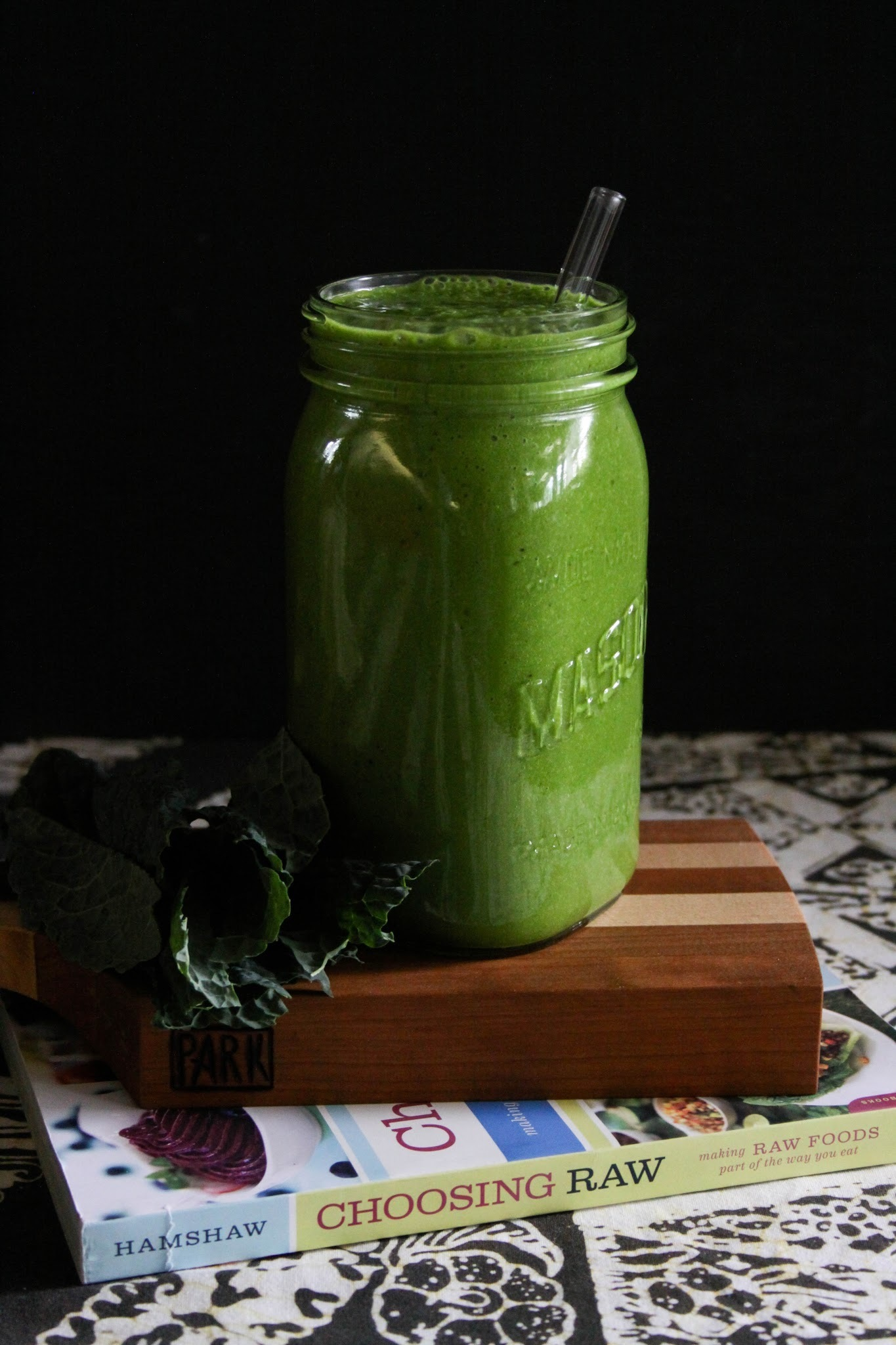 CHOOSING RAW {cookbook review + smoothie recipe)