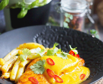 Łosoś z sosem z mango / Roasted salmon with mango sauce