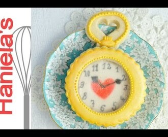 How To Make Alice in Wonderland Pocket Watch Cookie, Isomalt Glass Effect