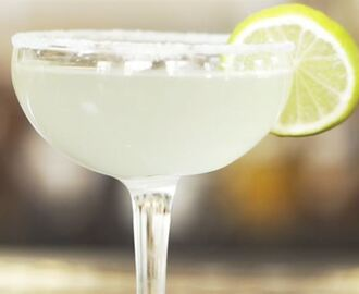 Margarita (Frozen Margarita) - recept på klassisk cocktail