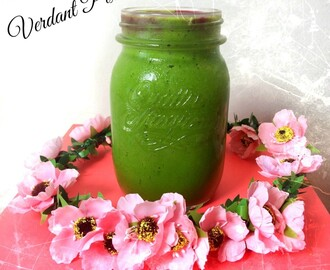 Verdant Pixie Green Pineapple Smoothie and Did I just Compare Poetry to Ice Cream?