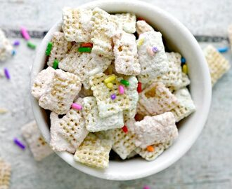 Cake Batter Puppy Chow Recipe – Spring Muddy Buddies