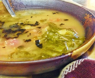Sinigang na Sabaw na may Miso (Miso and Tamarind Soup)