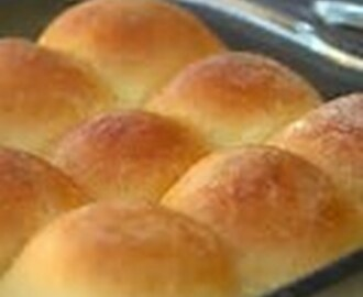EASY BIG FAT YEAST ROLLS