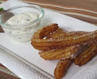 Resep Kue: Churros with Chocolate Chantilly