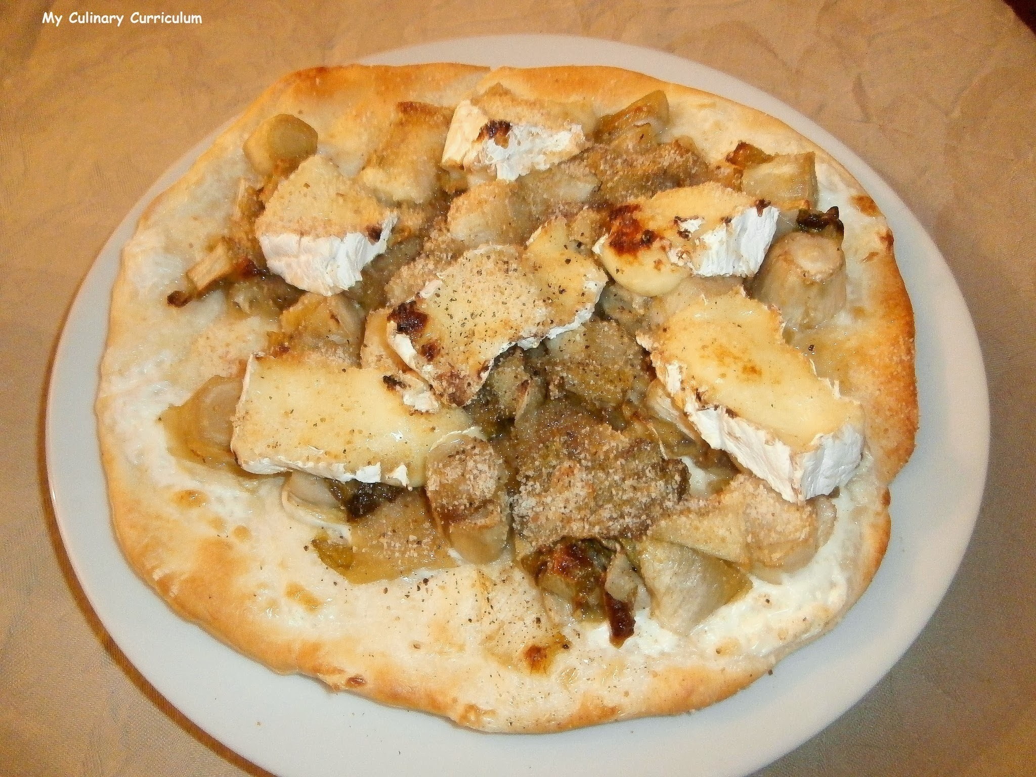 Pizza blanche endives miel camembert