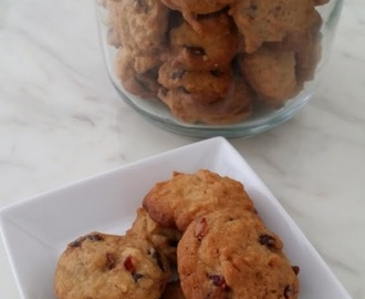 巧克力蔓越莓饼干~Cranberry chocolate chips cookies.