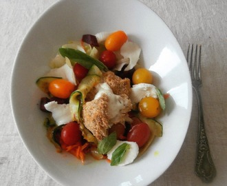 Salade mozza chaude, carottes, betteraves, courgettes...(Hot mozzarella salad, carrots, beetroots, zucchini ..)