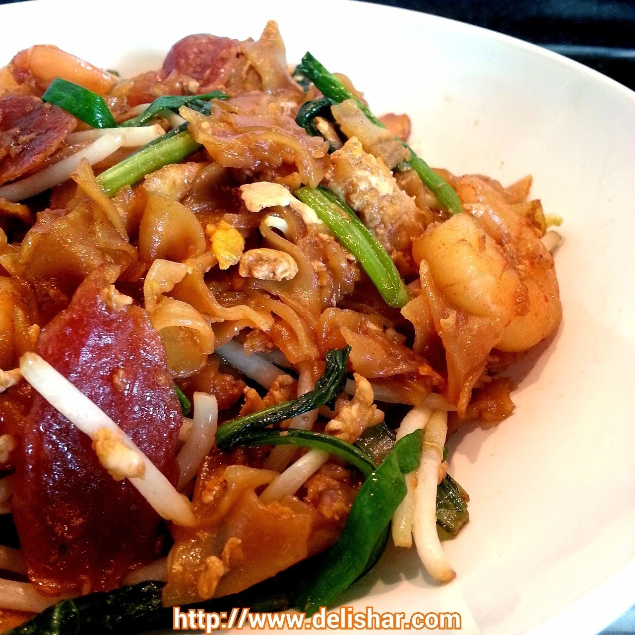 Fried Flat Rice Noodle (Char Kway Teow)